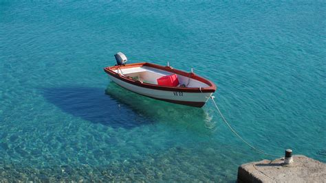 How To Moor A Boat by File Boat Mooring Jpg