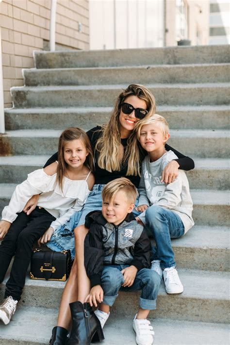 FAMILY STYLE Archives | Hello Fashion