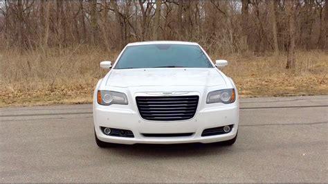 2013 Chrysler 300s by 2013 Chrysler 300s Throttle Exhaust Sound