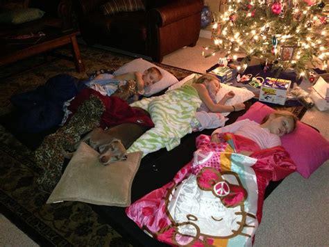 mkhkkh christmas slumber party