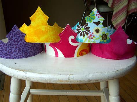 princess crowns diys     crafter