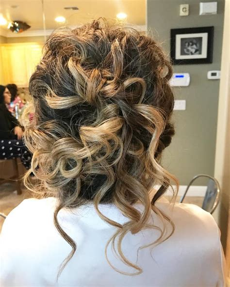 sexiest messy updos youll   day