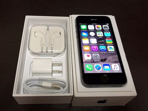 iphone 5s grey iphone 5s space gray 16gb au with accessories