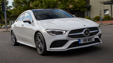 Screen, steering wheel and console. Mercedes-Benz CLA-Class Coupe (2019 - ) review   Auto ...