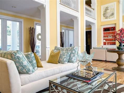 hgtv livingrooms 149 best images about hgtv living rooms on pinterest gardens coastal living rooms and