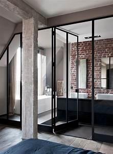 inspiration des portes vitrees style atelier frenchy fancy With porte d entrée alu avec luminaire salle de bain industriel