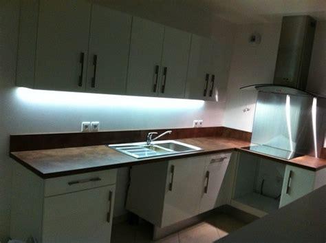 eclairage led cuisine plan de travail amazing plan de travail design cuisine 2 eclairage led