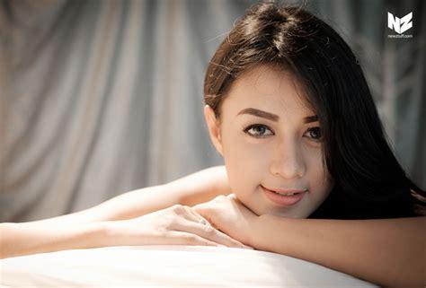 Foto Hot Model Cantik Deti Dahlia Terbaru Ngentot Memek
