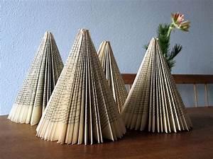 Aus Büchern Falten : weihnacht mit hellblau books recycling art pinterest b cher b cher falten und alte b cher ~ Bigdaddyawards.com Haus und Dekorationen