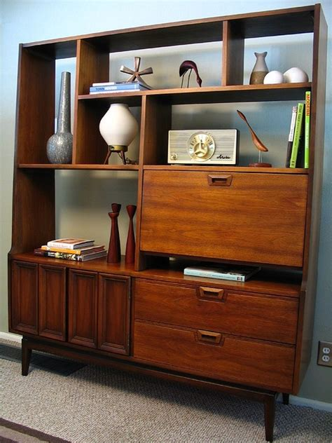 29 Awesome And Functional Mid-Century Wall Units - DigsDigs