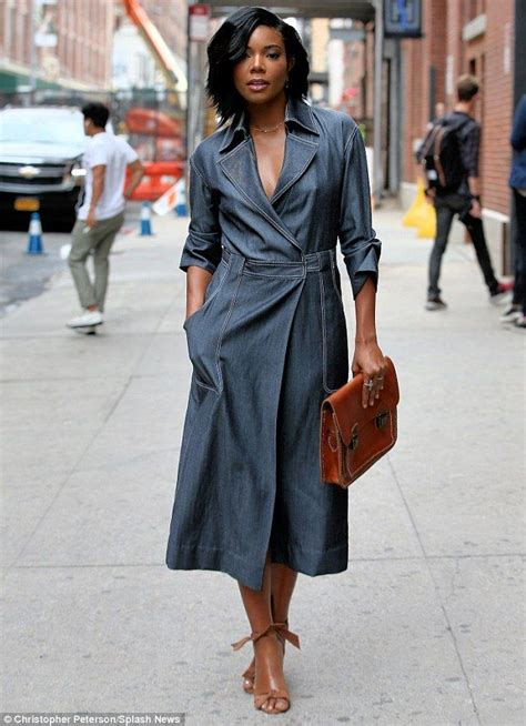 20 Great Ways to Rock A Braless Look - How to go Braless