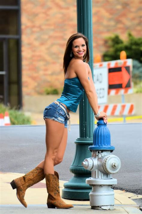 A Look At Smokin Hot New Adult Film Star Ashley Sinclair