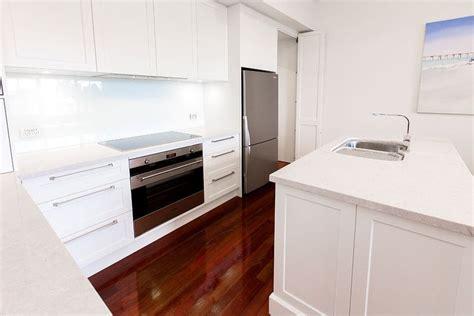 white kitchen cabinet images 50 best caesarstone bianco drift images on 1341