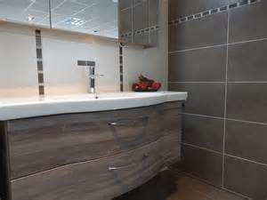 carrelage salle de bain avec frise carrelage salle de bain