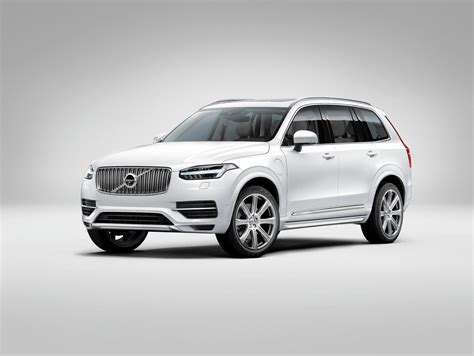 volvo xc suv stands   crowded family class
