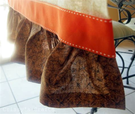 fall table runners to make crissy 39 s crafts no sew table runner fall
