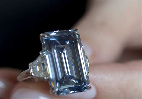 oppenheimer diamond fetches million record sets mining christie courtesy
