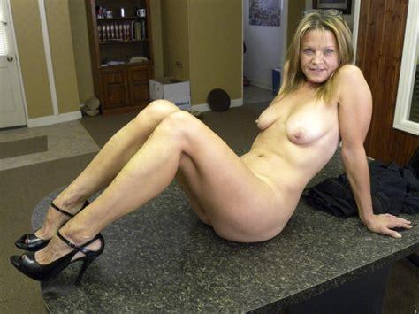 Oixtt1343132375  In Gallery Hot American Milf Gilf Great Legs Update Picture 16 Uploaded By