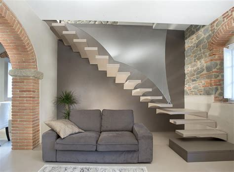 ringhiera scala vetro gull wing resin staircase with glass banister chieti it