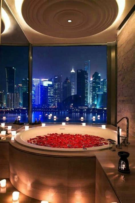 chambre d hotel dubai chambre d 39 hôtel avec jaccuzi intérieurs inspirants et