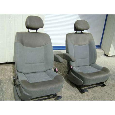 2 sièges avant avec accoudoir renault trafic 2