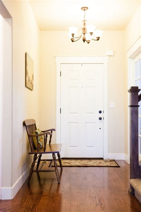 how to decorate an entryway for great impressions
