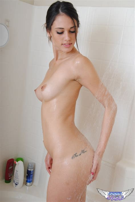 Tiffany Thompson Takes A Shower Sexy Gallery Full Photo