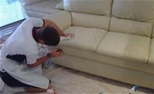 nettoyer un canape en cuir et meme le blanc With nettoyage tapis avec canapé chesterfield cuir blanc
