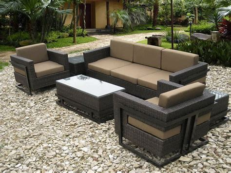 what to look for when choosing outdoor furniture what do