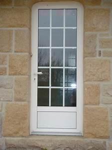 porte d39entree en alu blanc avec petits bois incorpores With porte de garage et porte petit carreaux
