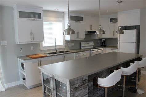 cuisine en et blanc armoires de cuisine en polymère blanc et îlot mélamine