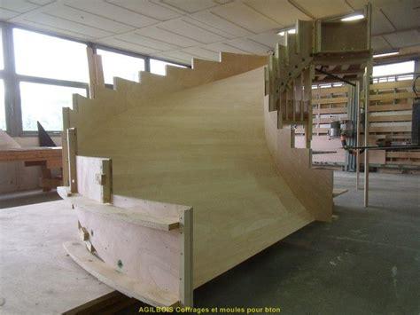 coffrage pour escalier beton coffrage bois pour beton