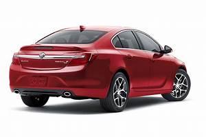 2016 Buick Regal Reviews
