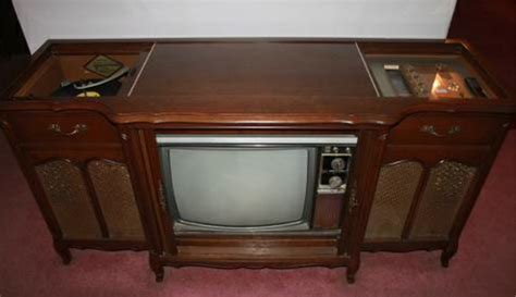 vintage tv stereo cabinet vintage magnavox stereo console tv radio phonograph 150