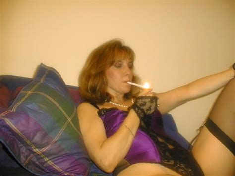 In Gallery Smoking Wife Picture