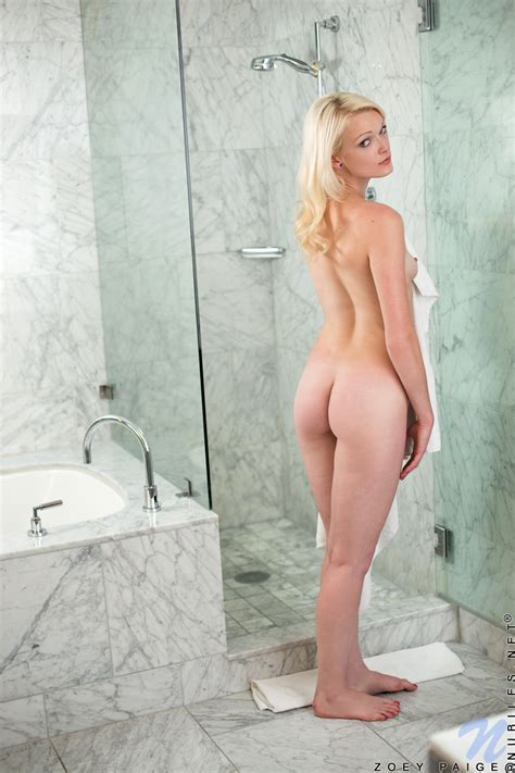 Astounding And Sexy Blonde Teen With Big Ass Is