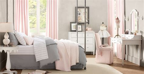daly designs grey  pink
