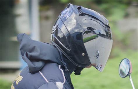 Benefits Of Wearing A Helmet Visor Or Goggles