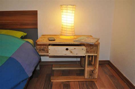 Diy Pallet Bedside Tables /nightstands