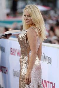 "Pamela Anderson – ""Baywatch"" Premiere in Miami, FL 05/13/2017"