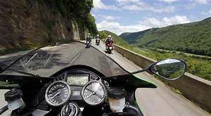 Image De Moto : petite balade en moto sur une route de montagne breakforbuzz ~ Medecine-chirurgie-esthetiques.com Avis de Voitures