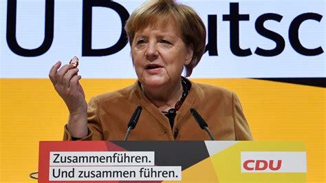 Spiesrutenlauf für merkel heute in celle. CDU-Parteitag: Merkel tritt heute als CDU-Vorsitzende ab ...