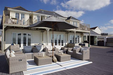Beach House : New England Luxury Beach House