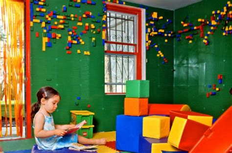 Brooklyn Café Sports Lego-walled Kids' Room