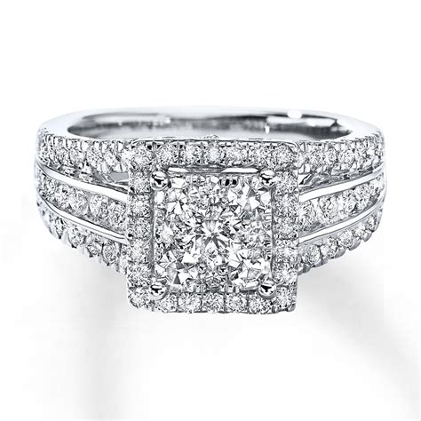 previously owned diamond ring   cts tw  white gold