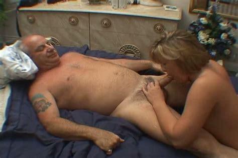 Short Hair Mature Woman Enjoying Sex Porn Tube