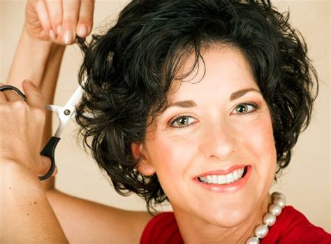 Short Curly Hairstyles For Women Over Fit Many Face Types