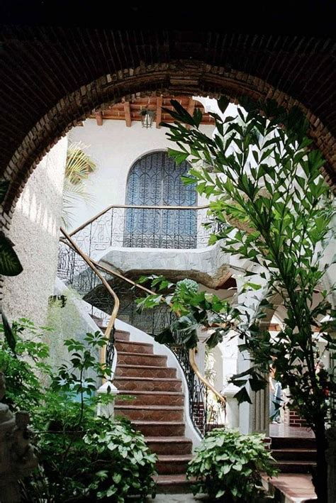 style courtyards style doors and windows