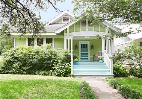 The Dos And Don'ts Of Choosing A Front Door Color