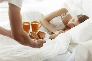 Petit Dejeuner Au Lit : couple 4 mani res d 39 gayer votre relation au quotidien ~ Melissatoandfro.com Idées de Décoration